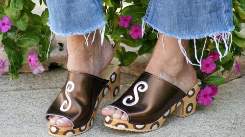 Hot Weather is Coming! Pull out the Peep Toes! - bronze leather peep toe sandals
